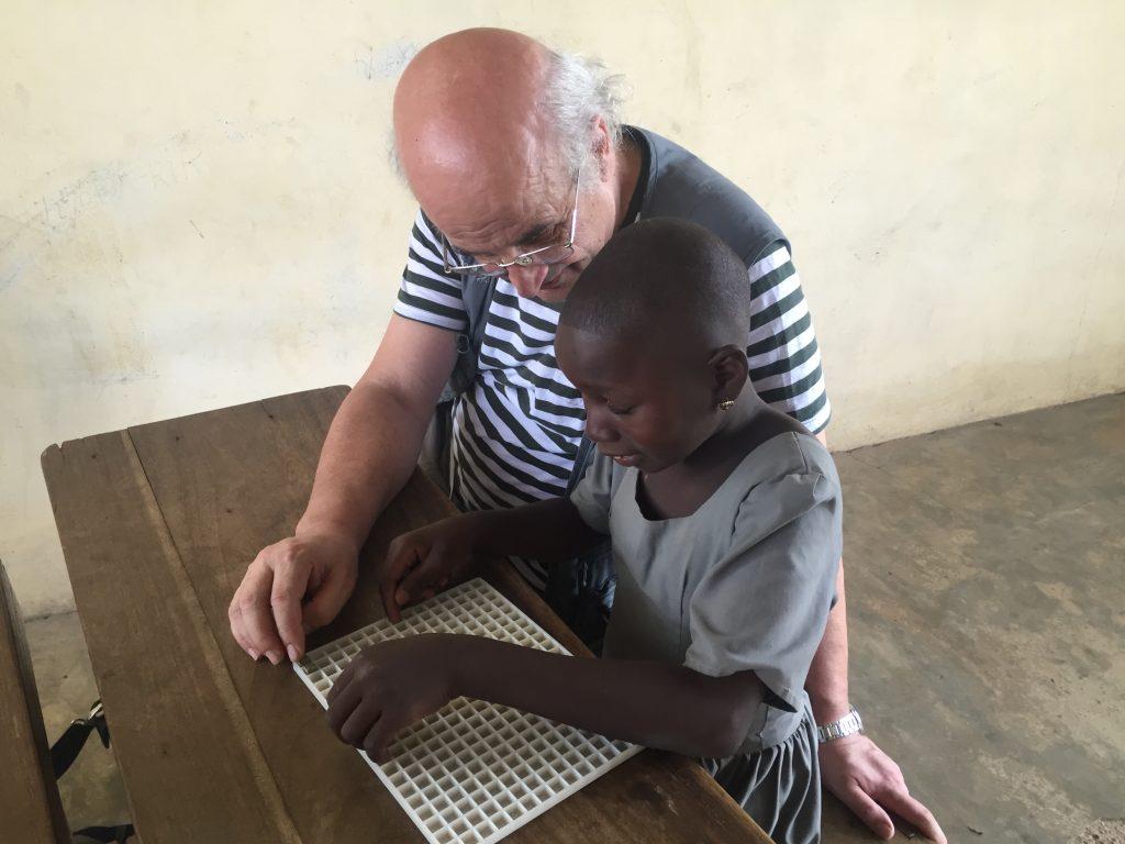 Con una bambina cieca nella scuola di Kara - Aprile 2018
